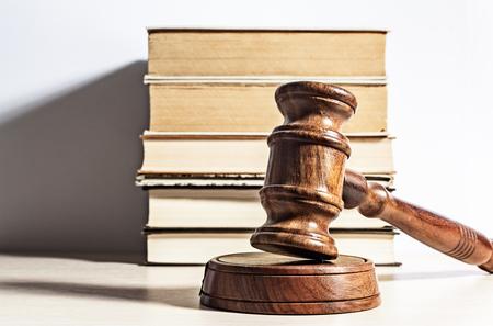 Traducción jurada y traducción jurídica. ¿Sinónimos?